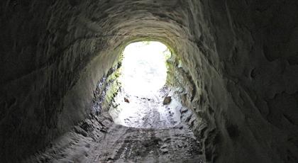 トンネル内_s